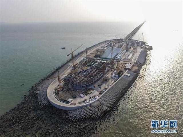 港珠澳大桥预计年底全线通车 香港至珠海通行将变半小时