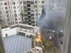 深圳闹市一小区楼顶突然起火,浓烟冲天!居民紧急疏散